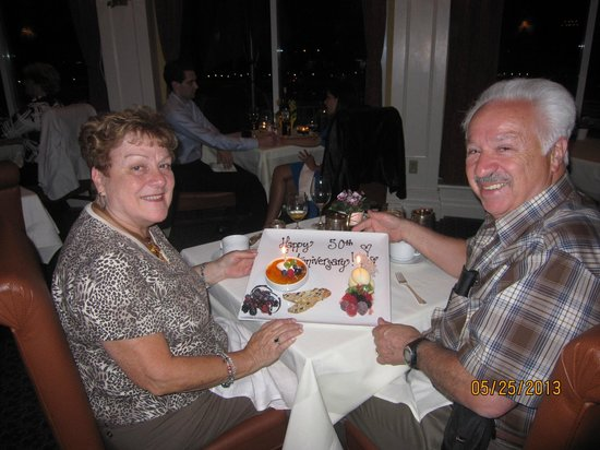 Queen's Landing: Dinner at Tiara Restaurant