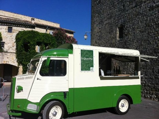 La Gramière - Wine Truck : The truck at the marché nocturne in Blauzac, July 2012
