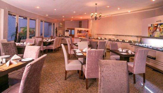 Hotel Bon Voyage: Restaurant