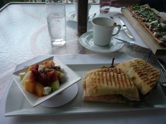 Jasmine Lounge: Sandwich at Jasmine