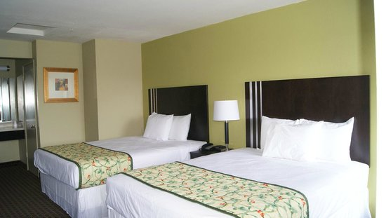 Americas Best Value Inn Six Flags/Vallejo/Napa Valley: Room