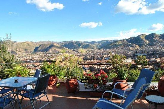 Encantada Casa Boutique Spa: Vista de Cuzco, da varanda do hotel, que você acessa pelo apartamento, no 4º andar.