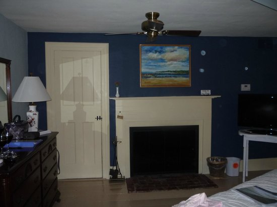 Sea Meadow Inn at Isaiah Clark House: Hattie Mae Room