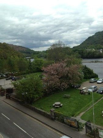 Atholl Arms Hotel: lovely view of River Tay