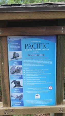 Pacific Marine Mammal Center: Lots of informative signs
