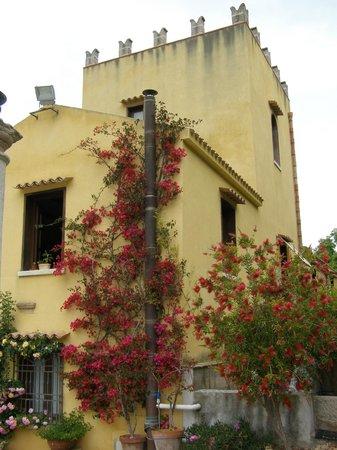 Villa Pilati: Lato ovest della villa