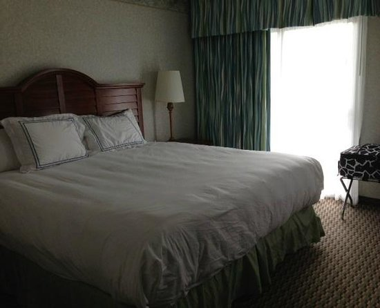 Hyannis Harbor Hotel: Room