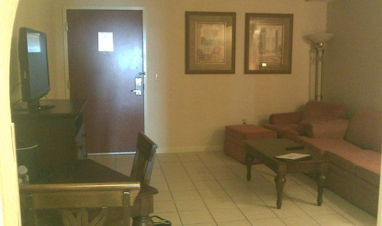 Holiday Inn Hotel & Suites Ocean City: Living Room
