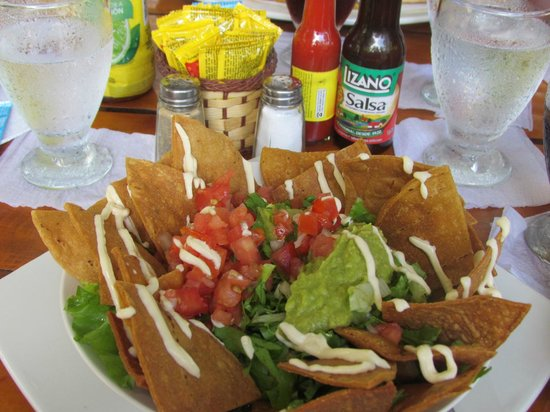 Restaurante Buru by the Park: Yo me fui por una nacho de pollo, riquisimo...