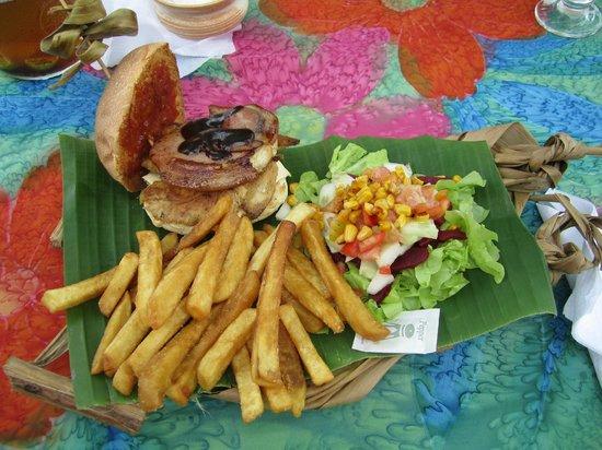 Kuku's Cafe : Mmmm burger