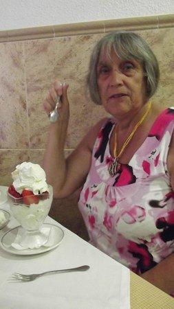 Sands Bistro: Mum and her Strawberry Merguine