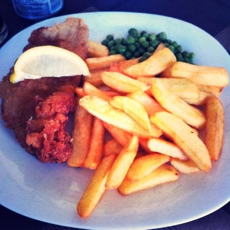 The Greedy Pig : Absolutely the best Fish n Chips and much more. Going back for more delicious food, great servic
