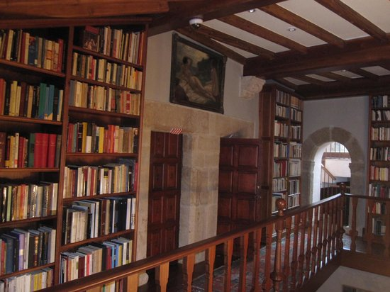 "Palacio Chaves Hotel: Capture the ""literary"" atmosphere"