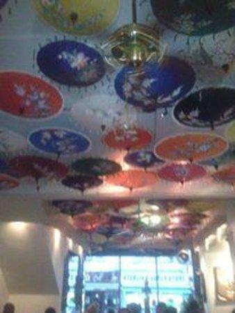 Tamnag Thai: Umbrella ceiling at Tamnag