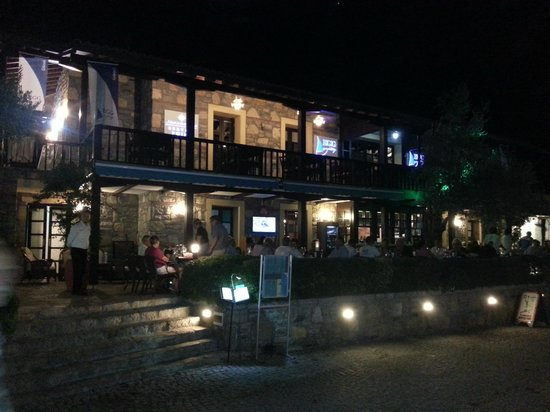 Göcek, Turkiet: Martı Veranda at night