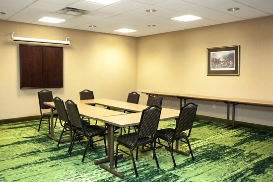 Hampton Inn & Suites Albany Airport : Meeting Room
