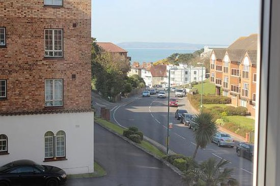 Denewood Hotel: Sea view from our window