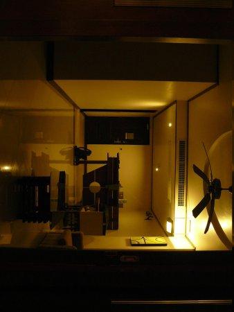 kamer met zicht op living met achteraanlinks de badkamer - Picture ...