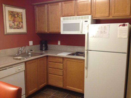 Residence Inn Scottsdale North: Mini kitchen