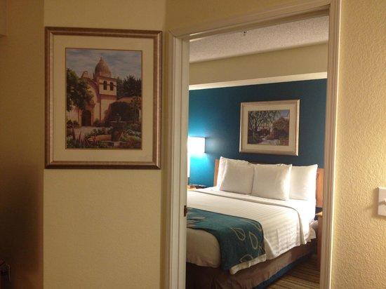 Residence Inn Scottsdale North: Living Bedroom