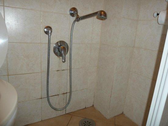 Vatican - Bed & Breadfast: à 95€ la nuit on peut exiger un minimum de propreté!