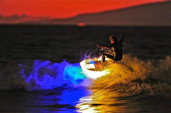 K16 Surf Shop & School: LED SURFBOARD