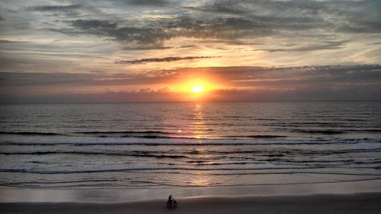 BEST WESTERN Aku Tiki Inn: Sunrise @ Daytona Beach Florida!