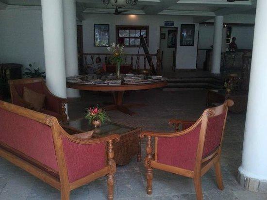 Karma Royal Palms: Lobby