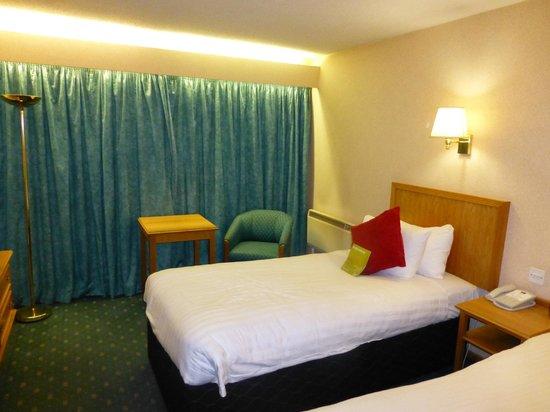 Mercure Livingston: Very spacious room