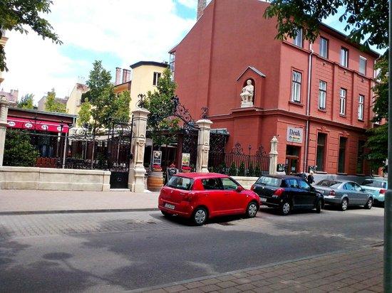 Deak Restaurant: Street view