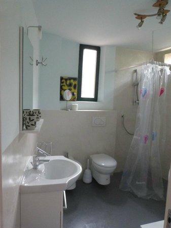 La Bergerie: Чистое и просторная ванная комната