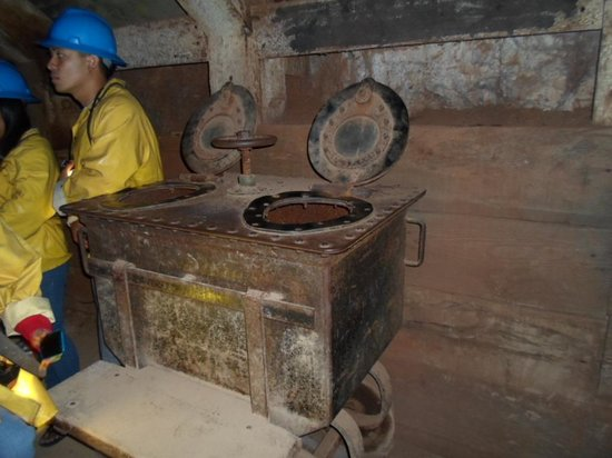 Copper Queen Mine: Sure glad they had restroom facilities BEFORE we went into the mine!