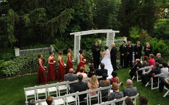 Bennett-Curtis House: Outdoor Ceremony- arch