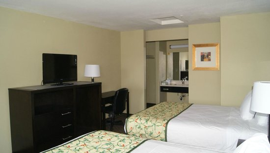 Americas Best Value Inn Six Flags/Vallejo/Napa Valley: Guest Room