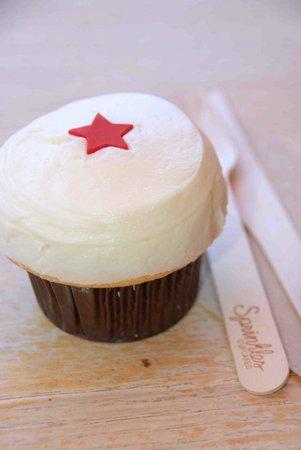 Sprinkles cupcakes: Sprinkles DC: vanilla cupcake