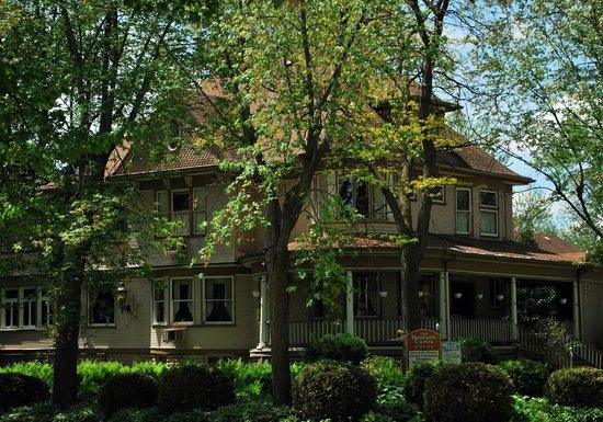 The Bennett-Curtis House