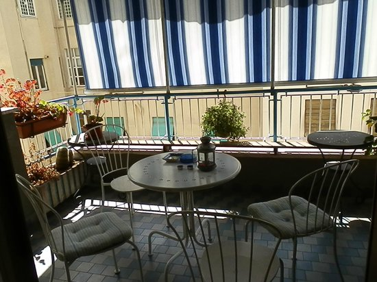 A Home For Holiday: la terrasse