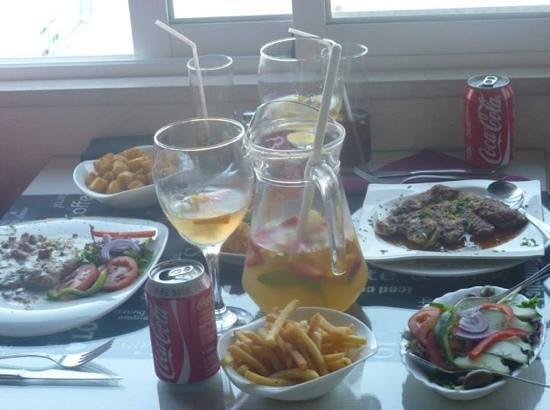 Anna's: Food and Sangria