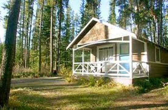 Johnston canyon resort updated 2017 campground reviews for Johnston canyon cabins