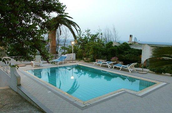 Ischia Casa della Vela: piscina