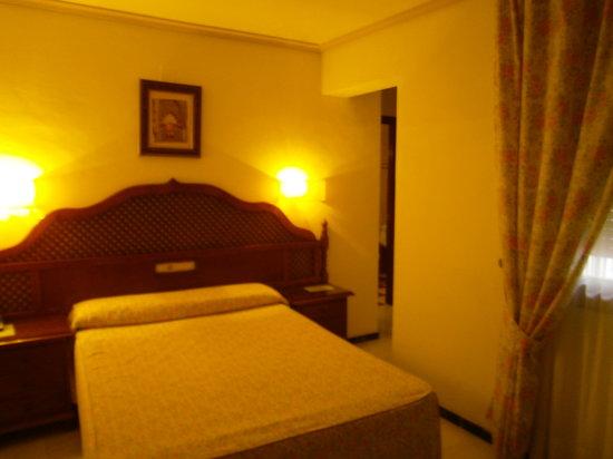 Los Omeyas Hotel : Habitación