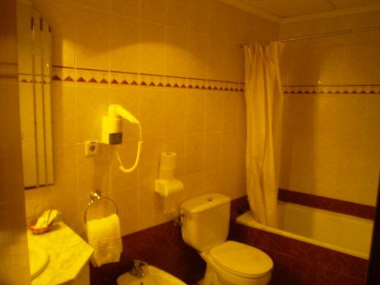 Los Omeyas Hotel : Cuarto de baño
