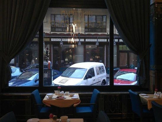 Hotel Paris Prague : Reastaurant window