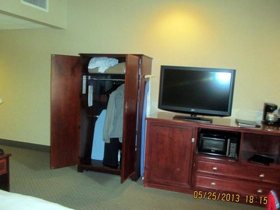 Empress Hotel: tv, wardrobe are, had nice fluffy robes