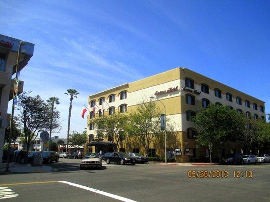 Empress Hotel of La Jolla : the hotel