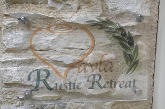 Vavla Rustic Retreat : The place