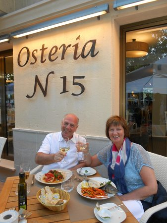 Osteria N15: Outside early dinner