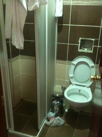 Hotel Kumkapi Konagi: problèmes dans la salle de bain