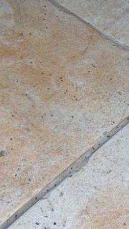 Bayfront Inn: Floor