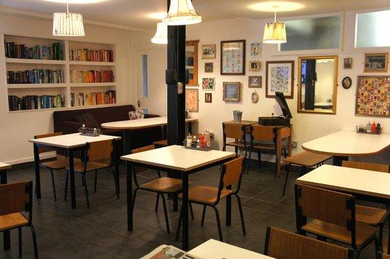 JJ's Kitchen : Back room